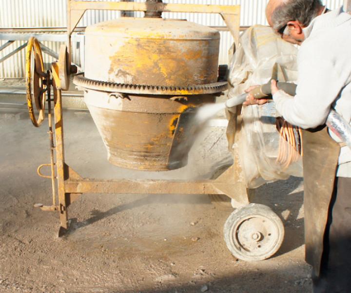 Retirando cemento mediante Hidroarenado