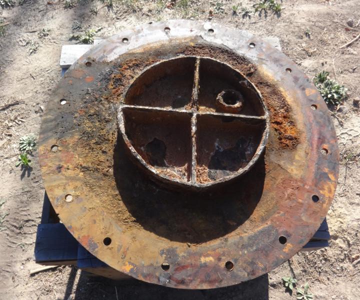 Limpieza, retiro de óxido, aplicación antióxido y pintura de terminación en Estanque de Agua